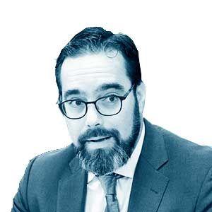 Iván López van der Veen*