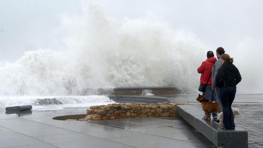 Protecció Civil de la Generalitat demana precaució pel temporal de pluges i vent