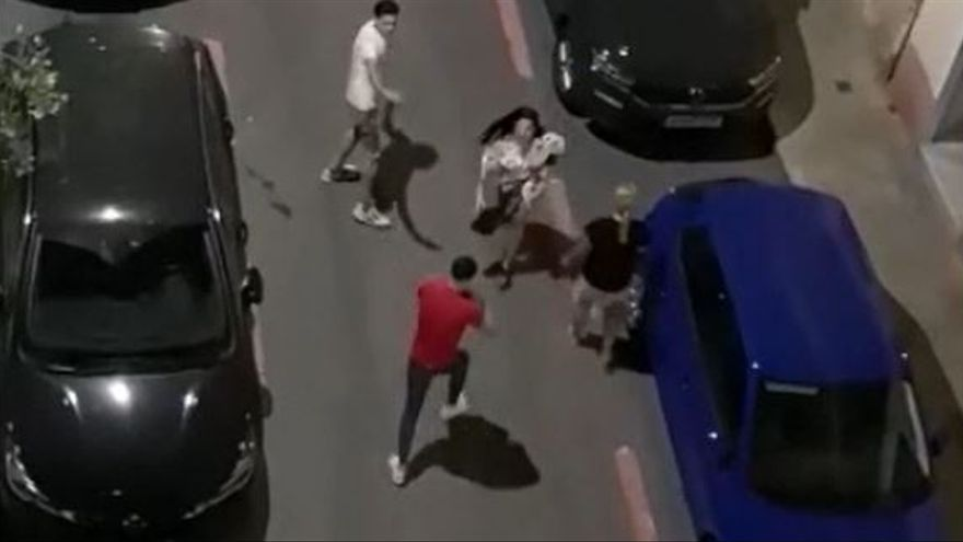 Detenidos cuatro jóvenes en una pelea esta madrugada en Alicante