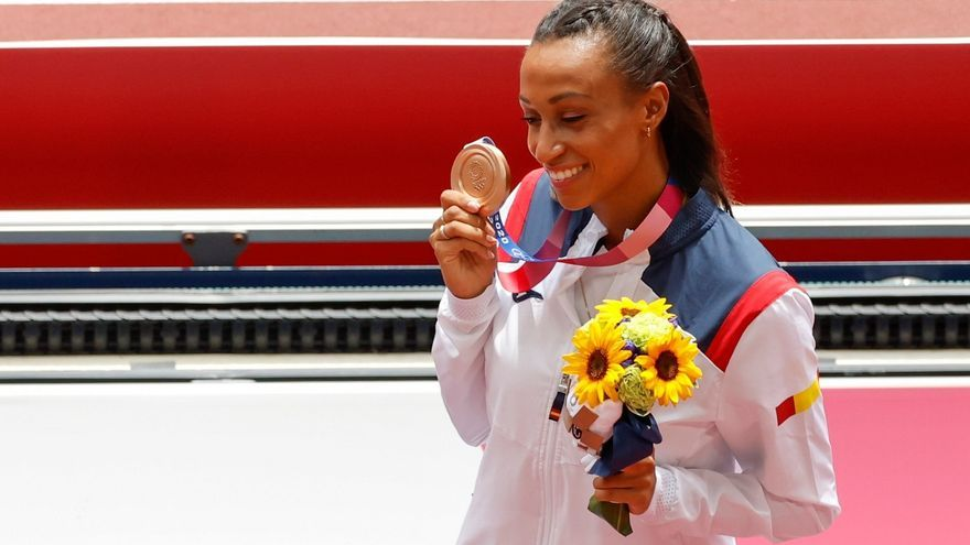 Ana Peleteiro confiesa la atrevida promesa de su madre si ganaba una medalla