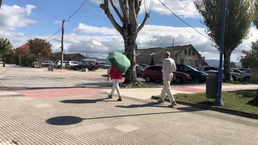 """Los paraguas también son para el """"veroño"""""""