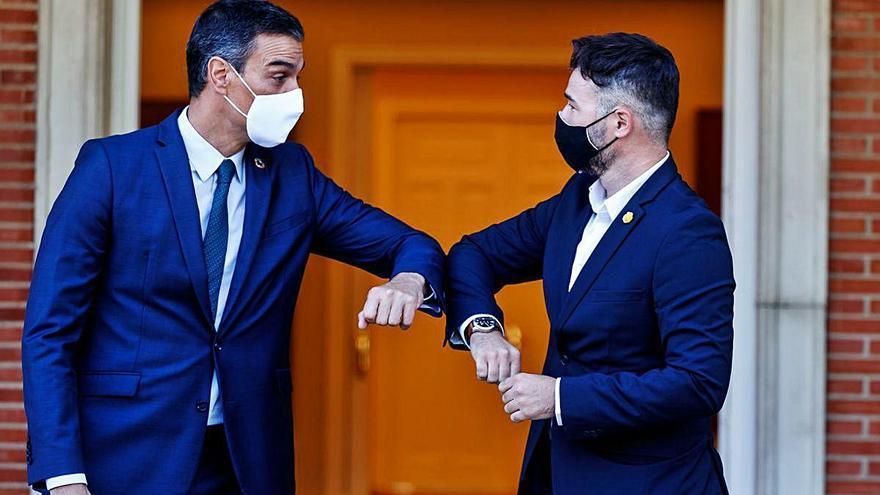 Sánchez i Rufián pacten reprendre la taula de diàleg al setembre