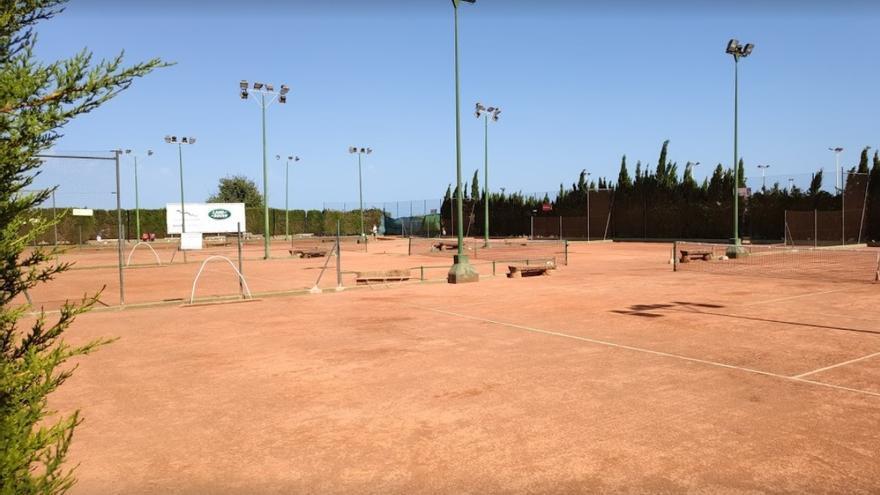 El Club de Tenis de Elche suspende la celebración de su 50 aniversario por la pandemia