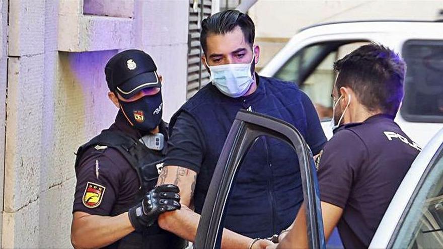 La víctima del crimen de la zona Norte de Alicante fue rematada en el suelo con tres disparos en la cabeza