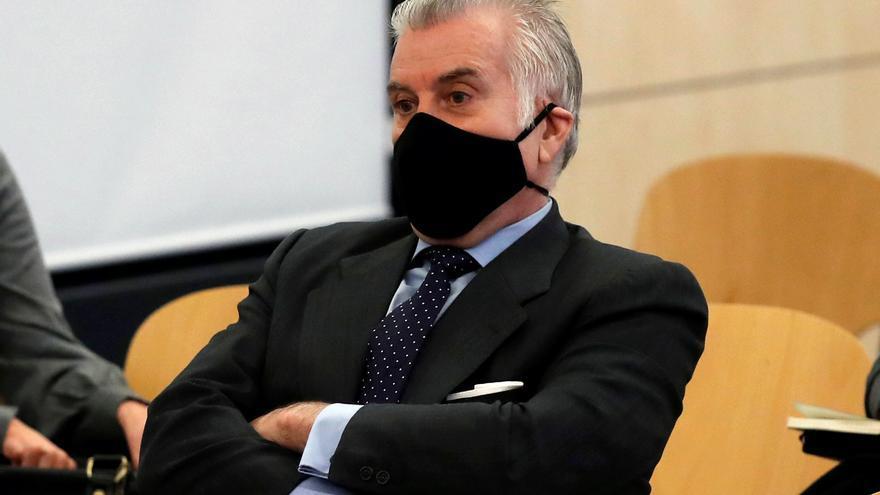 El abogado de Bárcenas defiende sus 'papeles' y acusa a la 'Kitchen' de no tener pruebas
