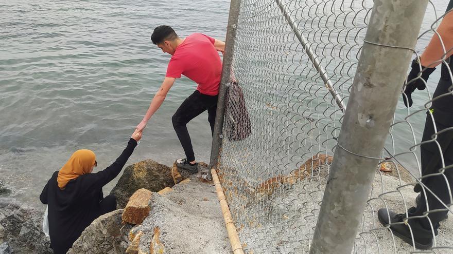 Ya han sido devueltos 1.500 de los 6.000 migrantes que han entrado en Ceuta