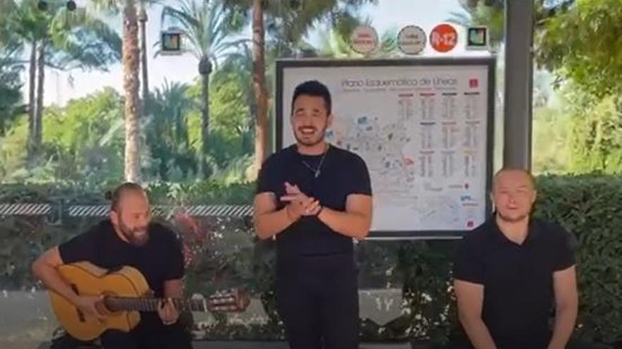 Música para amenizar la espera del autobús en Murcia por el Día mundial Sin Coche