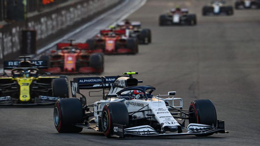 Verstappen regna a la festa final d'Abu Dhabi i Sainz s'acomiada sisè de McLaren