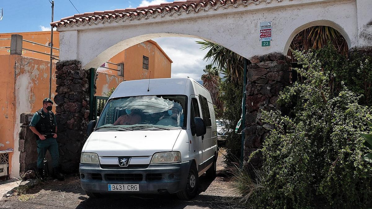 Registro en la casa de Tomás Gimeno