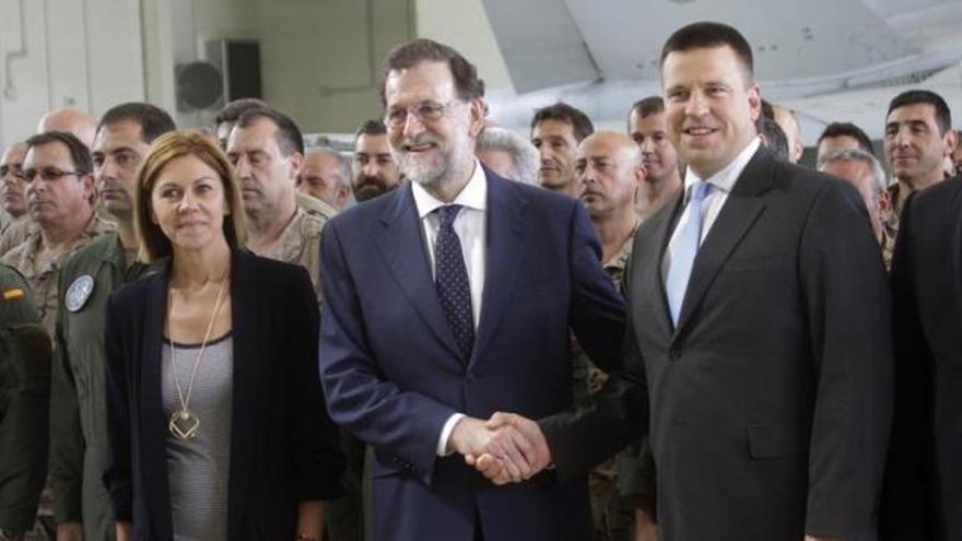 Mariano Rajoy visita a las tropas en Estonia y Letonia