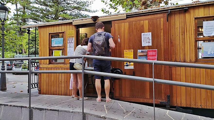 La afluencia de turistas a las oficinas de información se reduce un 80% en Sóller