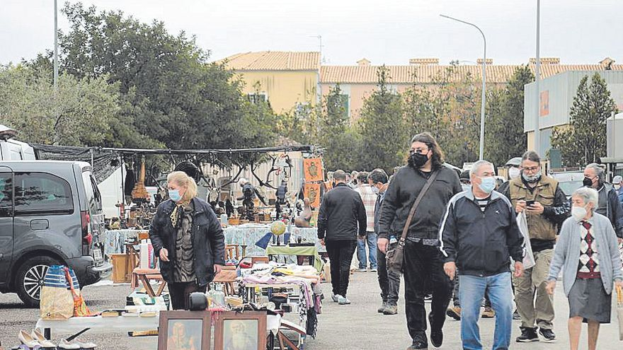 Regresa a medio gas  el mercadillo  de Consell