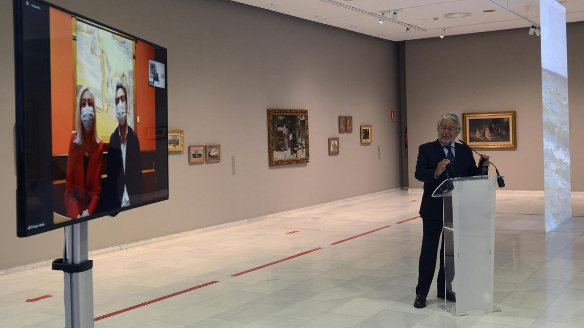 Rafael Alcón, Blanca Pons Sorolla y Enrique Varela, esta mañana, durante la presentación de la exposición