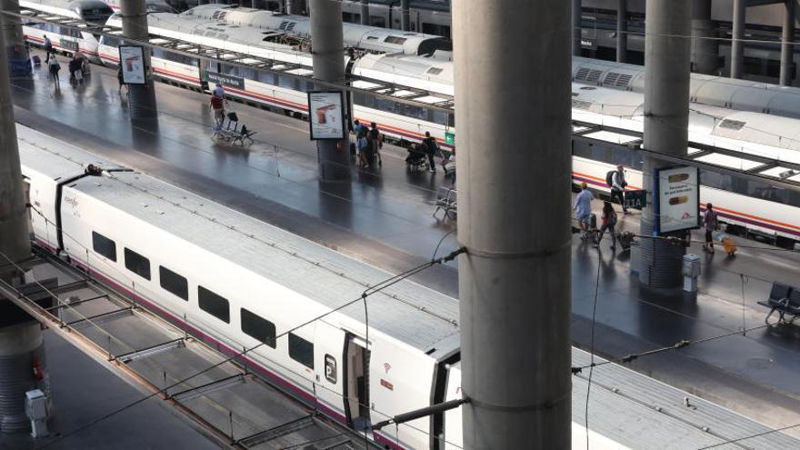 Renfe cancela casi mil trenes en toda España en plenas vacaciones por la huelga