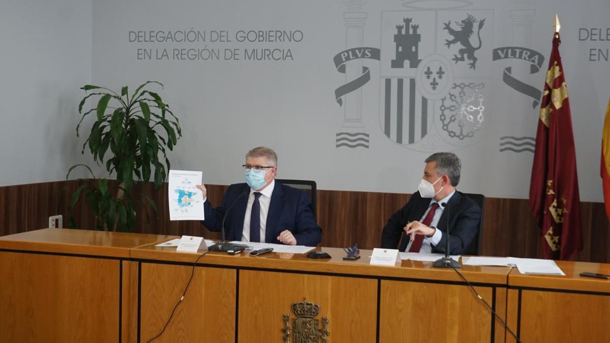 """Saura: """"Es una suerte que tengamos que fabricar"""" el S-80 en la Región de Murcia"""