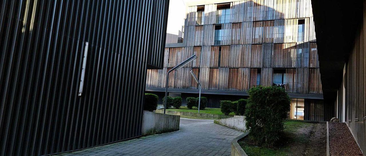 El exterior del edificio promovido por Sepes en la Mayacina.
