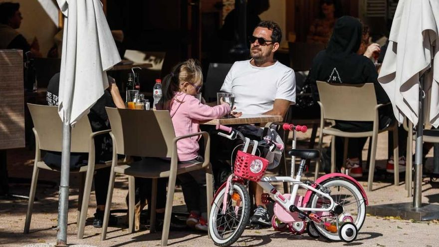 El covid afecta ahora mayoritariamente en Ibiza a una nueva franja de edad