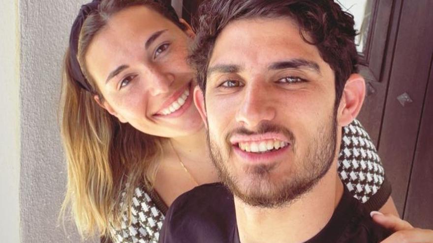 Un jugador del Valencia  y su novia, en Ibiza, pese al cierre perimetral