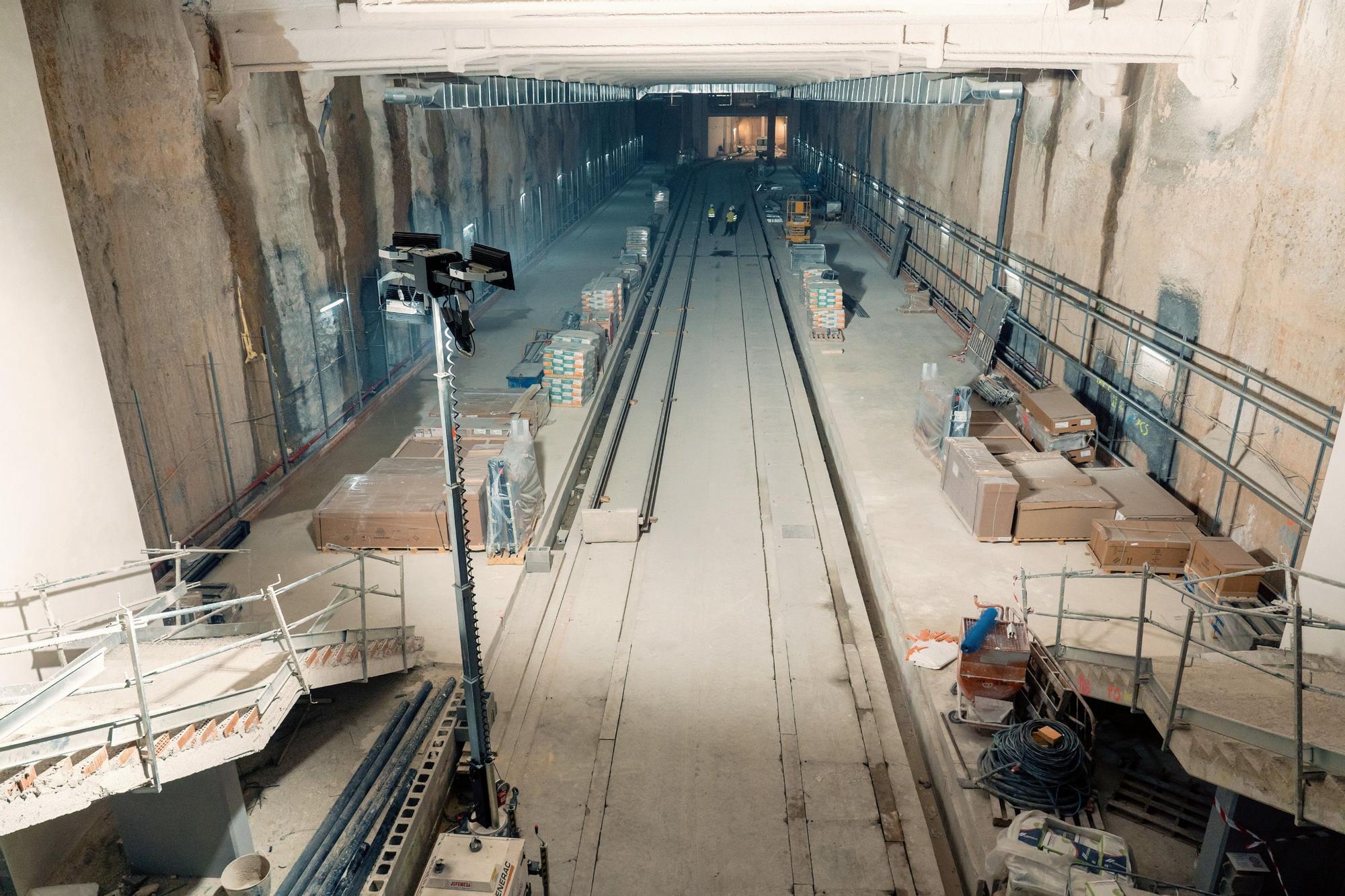 Llegan los raíles a la Línea 10 de Metrovalencia