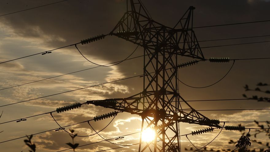 Un pueblo de Madrid decide suspender los pagos a las eléctricas por el elevado precio de la luz