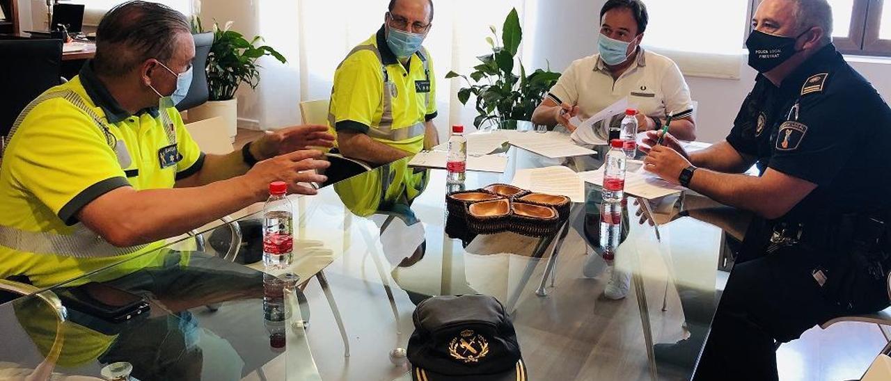 Reunión entre el Ayuntamiento de Finestrat y representantes de la Guardia Civil