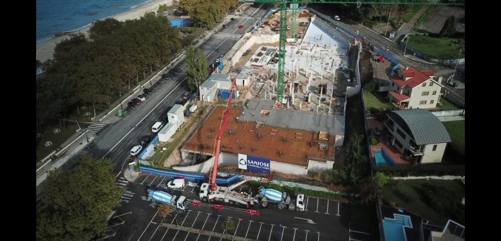 Imágenes aéreas de las obras del hotel Samil. // Folerpa