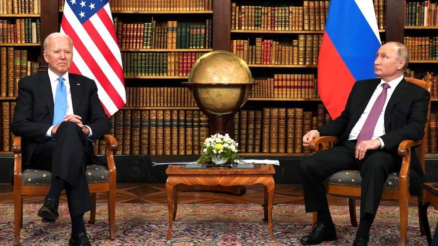 """Biden a Putin, al inicio de su primer encuentro: """"Es mejor verse cara a cara"""""""