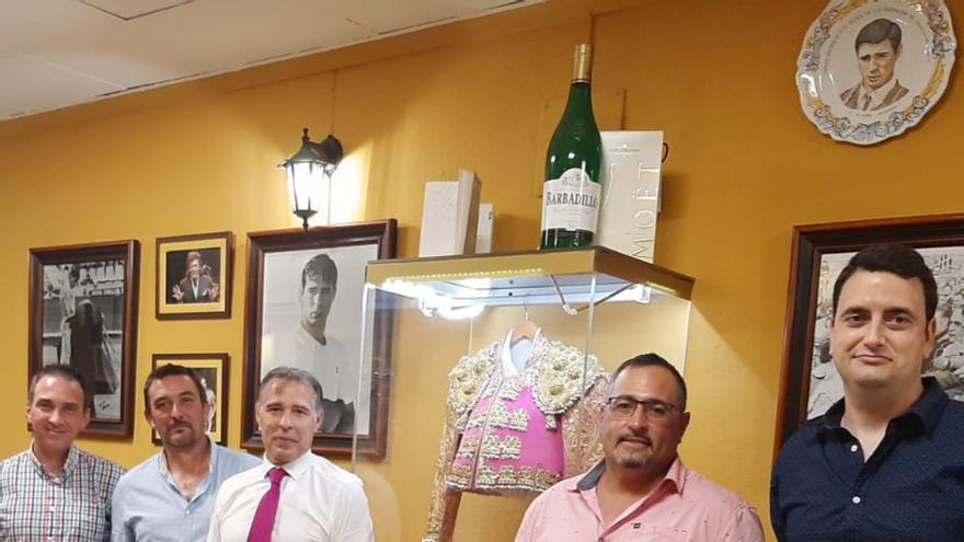 La afición taurina homenajea al torero Álvaro Amores en el Grau de Castelló