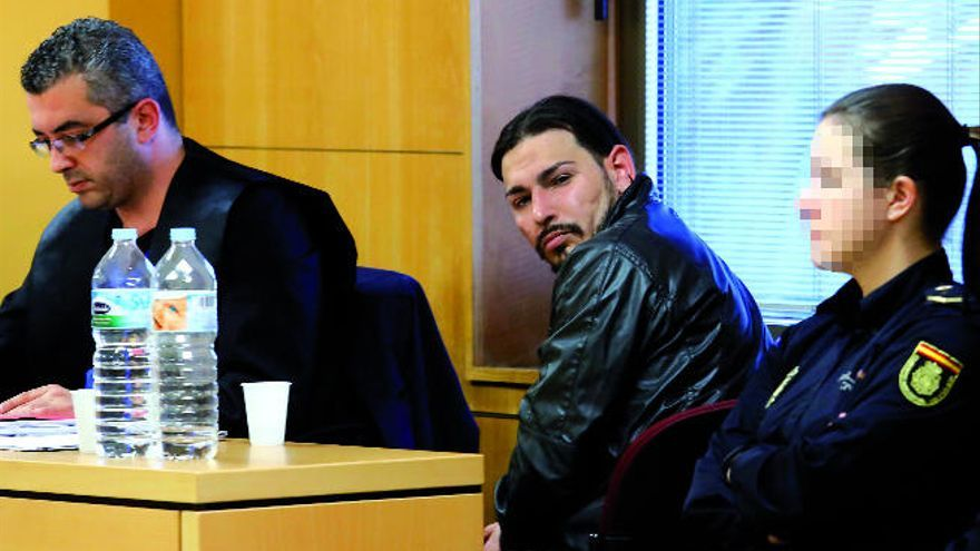 37 años de prisión por asesinar a su expareja tras rociarla con gasolina y prenderle fuego