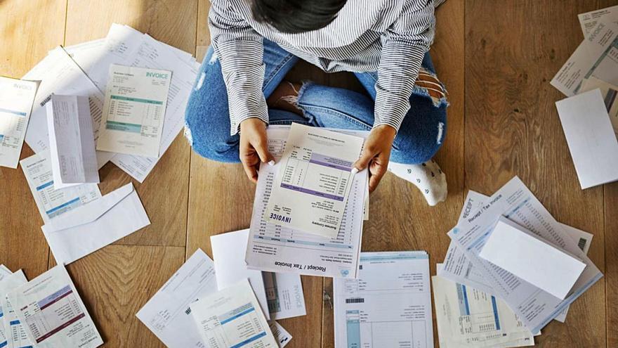 Una de cada 4 persones no pot assumir 700 euros de despesa inesperada