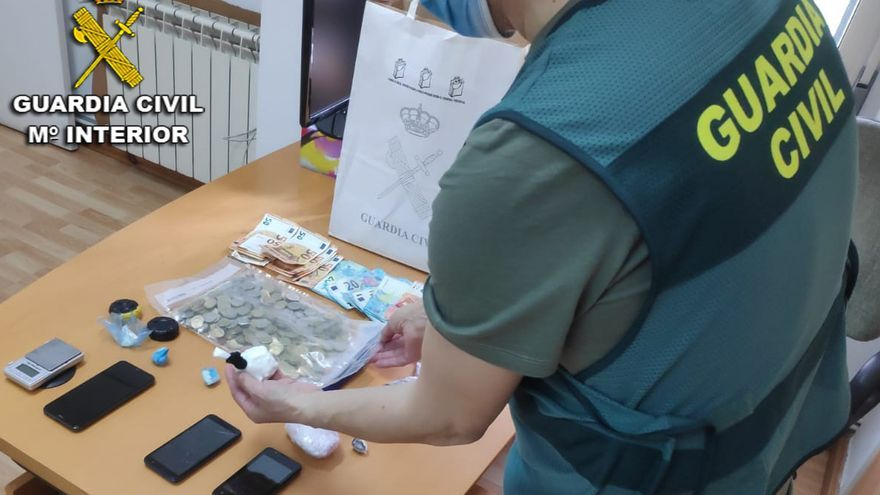 Seis detenidos en Bueu y Cangas por venta y menudeo de droga
