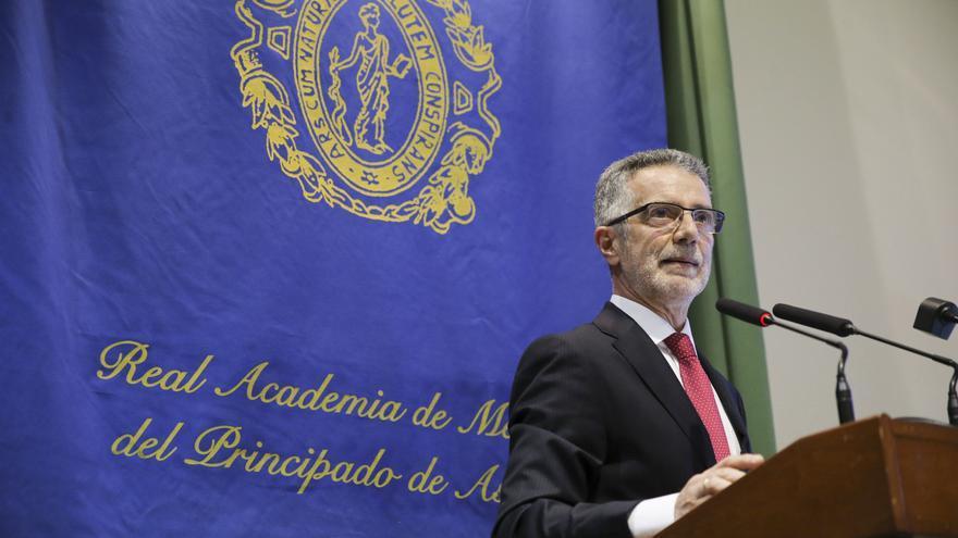 Dionisio Uría, premio de la Sociedad de Neurología por su trayectoria