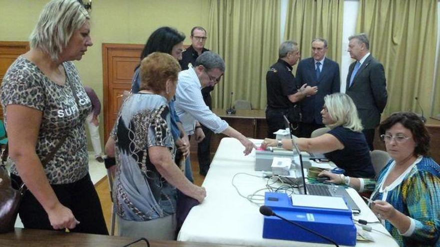 El interior se une para pedir equipos móviles del DNI en sus municipios