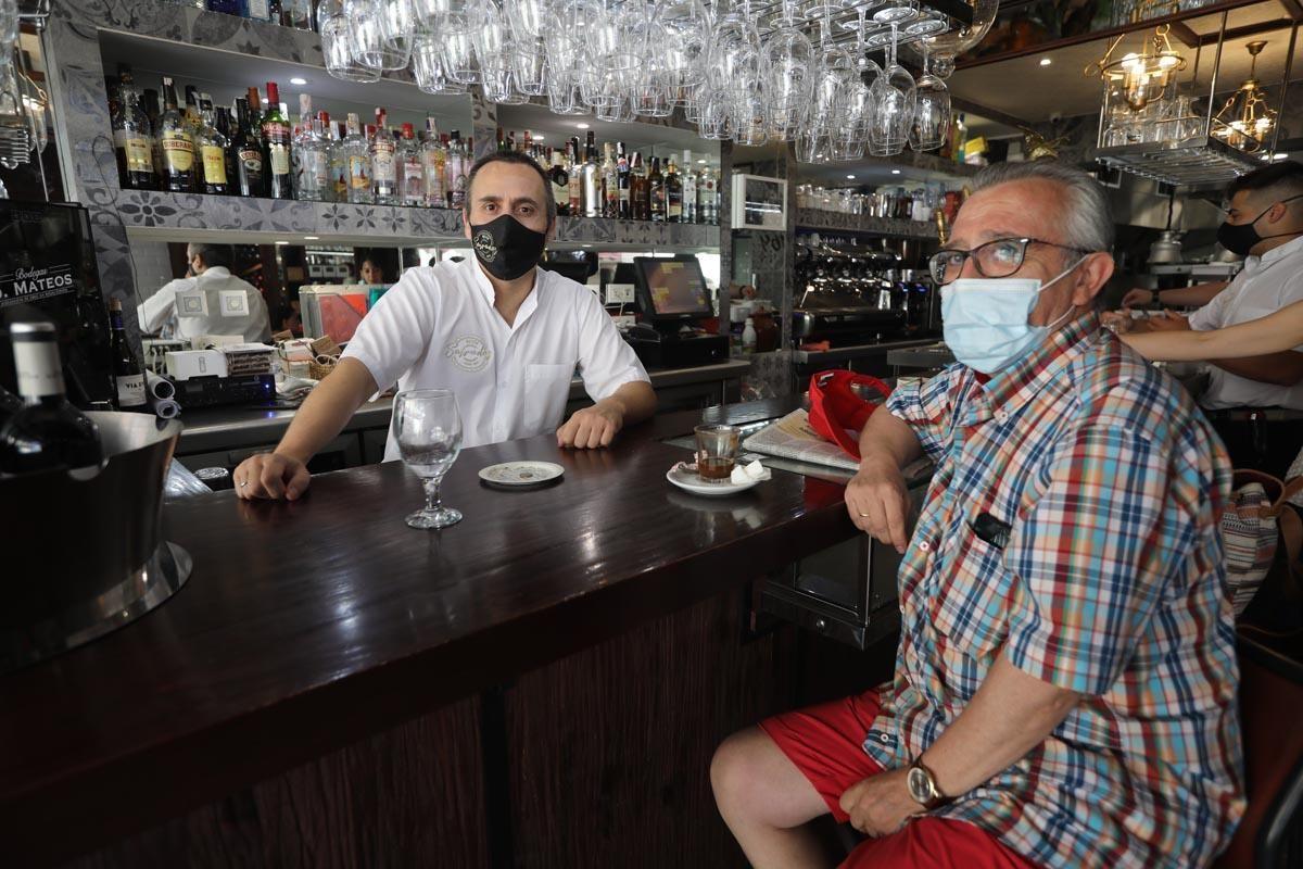 Los cordobeses regresan a las playas de Fuengirola ante la nueva normalidad
