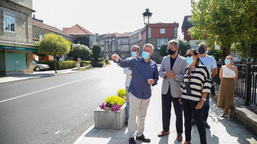 José Miñones supervisa el asfaltado de la N-120 en A Cañiza