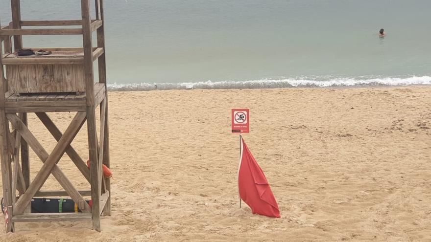 Bandera roja en las playas de Can Pere Antoni, Ciutat Jardí y Cala Major tras un nuevo vertido de aguas mixtas