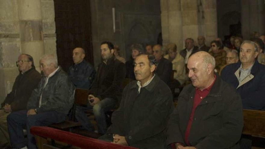 El Foro de la Memoria Histórica pide al Obispado que prohíba la misa de Franco