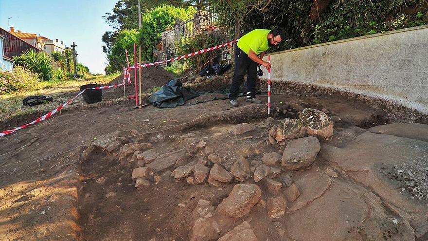 Buscan una posible necrópolis al sur del yacimiento de Cálago