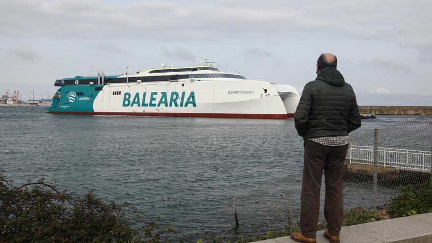 Armón tendrá que reparar el ferry para Baleària, que rompió el casco