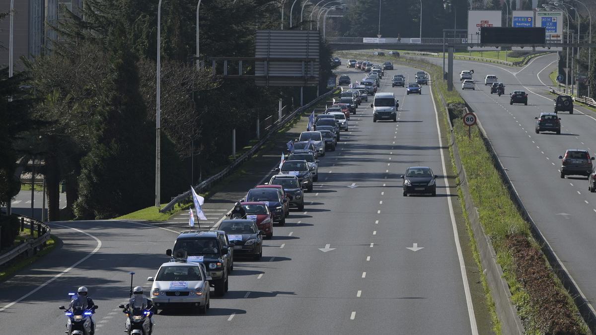 Caravana de protesta en A Coruña contra los peajes en la AP-9.