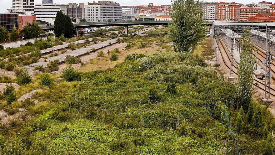 """La estación en Moreda recibe el apoyo de Gijón al Norte y el """"no"""" de toda la oposición"""