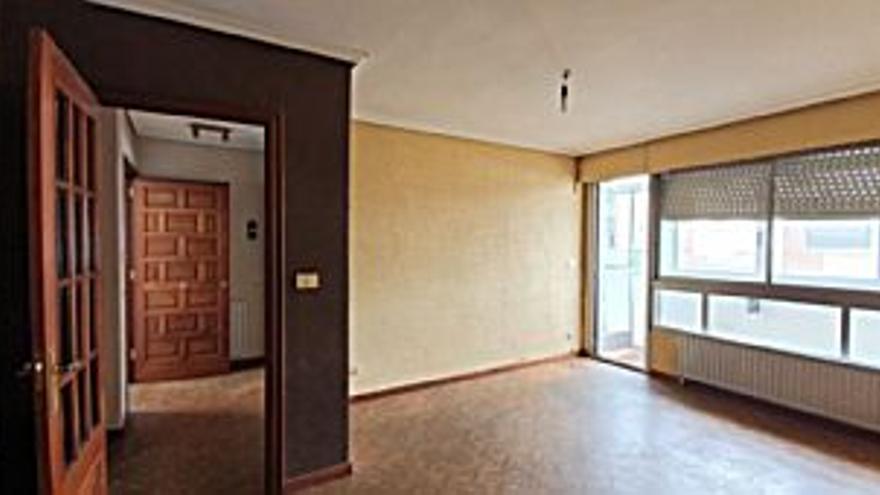 90.100 € Venta de piso en Sardoma, Castrelos (Vigo), 3 habitaciones, 2 baños...