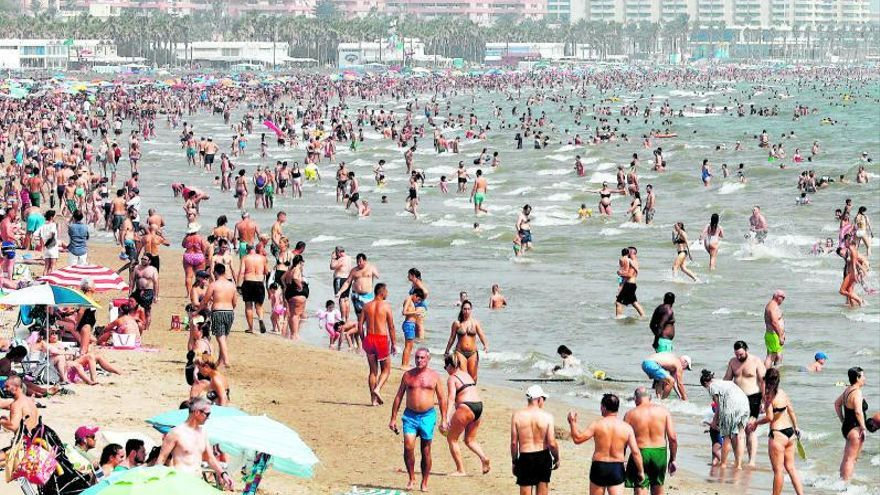 Un tsunami de aire cálido lleva a Castellón a superar los 42 grados de madrugada