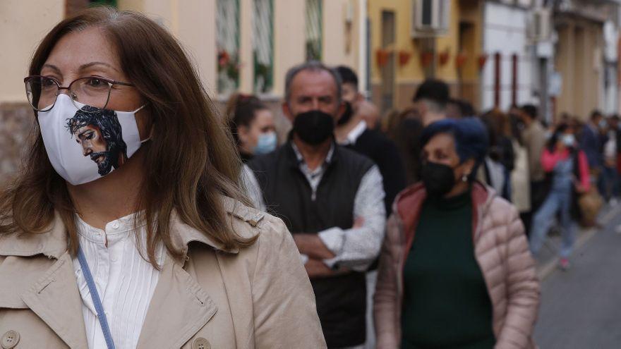 Una nueva ley endurece la norma del uso de la mascarilla en la calle