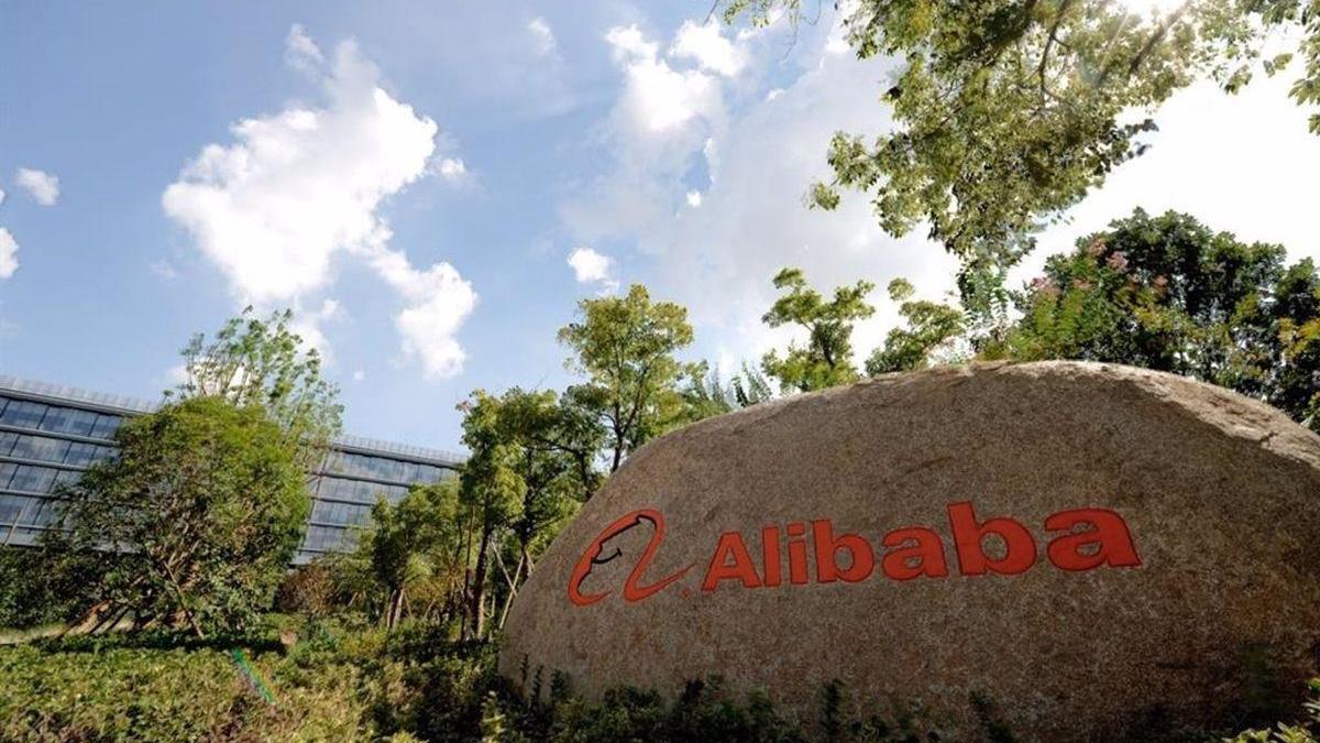 China anuncia una investigación a Alibaba por prácticas monopolísticas