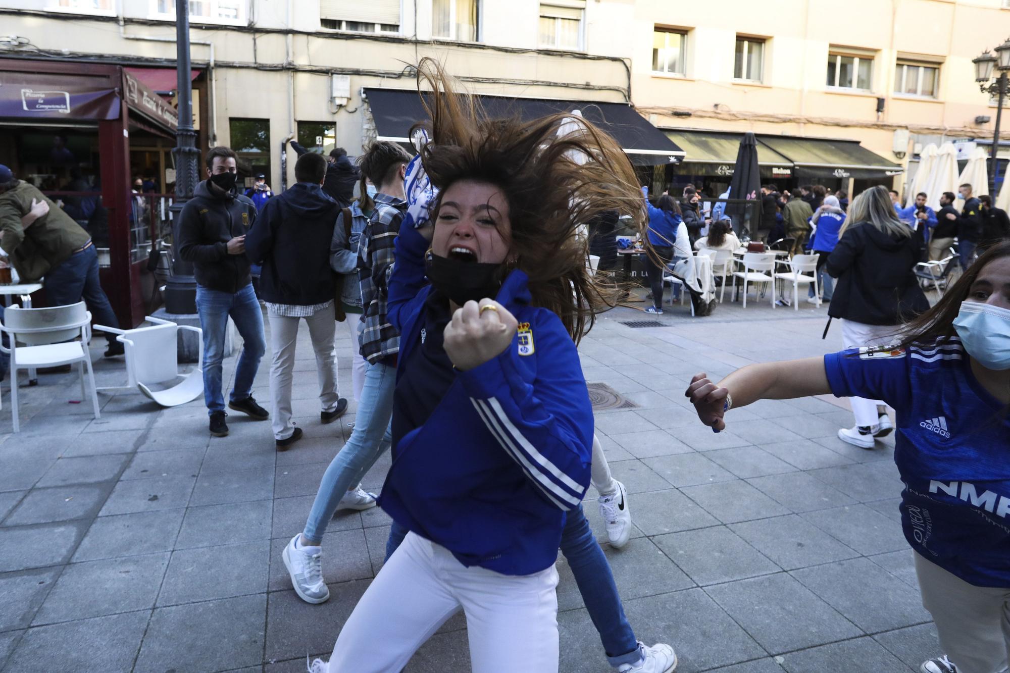 El ambiente en Oviedo durante el derbi