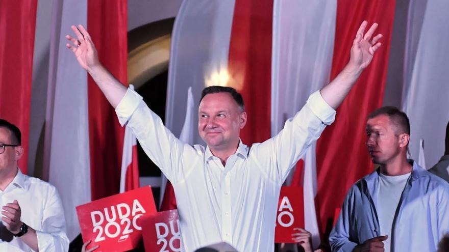Polonia celebra la segunda ronda de sus elecciones