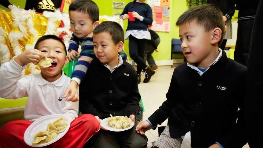 El Año Nuevo chino, de rojo y en familia