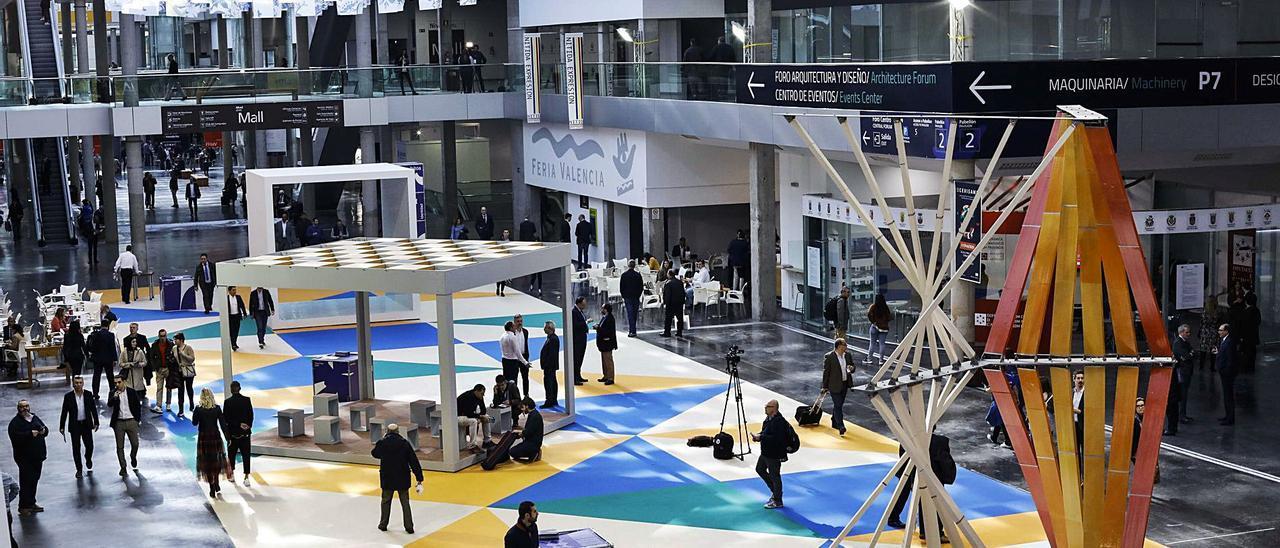 Aspecto del hall central de los nuevos pabellones feriales en la edición de Cevisama de este febrero. | MIGUEL ÁNGEL MONTESINOS