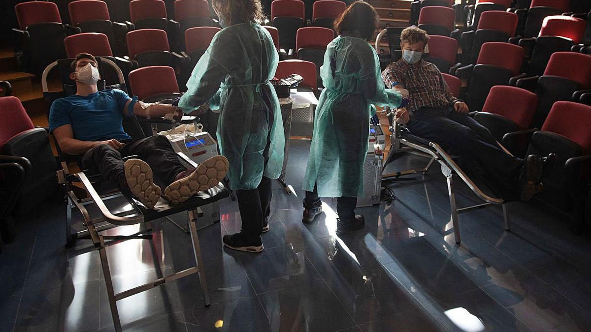 La comunidad educativa del Claudio Moyano dona sangre | JOSE LUIS FERNÁNDEZ